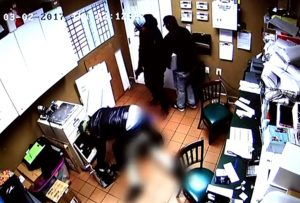 VIDEO – Police Still Investigating Armed Robbery of Green Turtle in La Plata