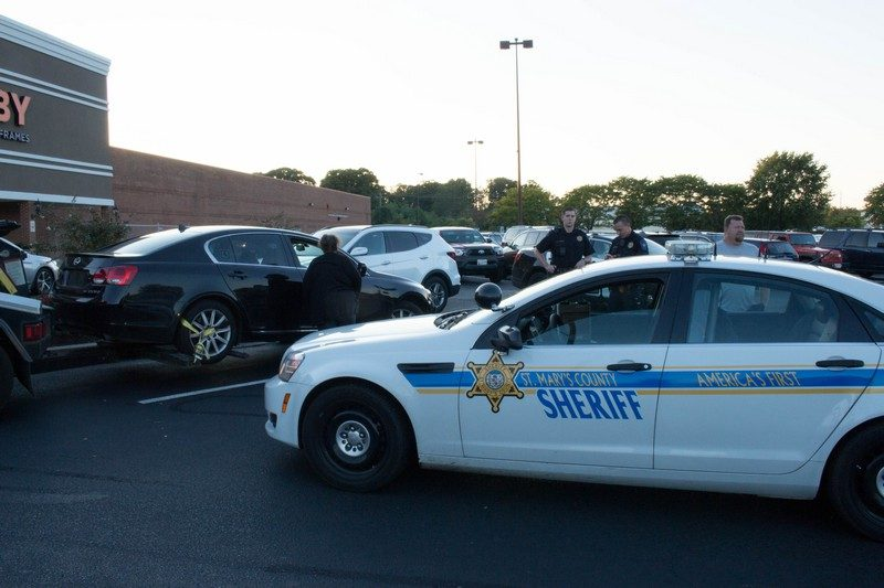Car Repossessed With Personal Belongings In >> Car Repo Standoff Ends After Five Hours In Hobby Lobby