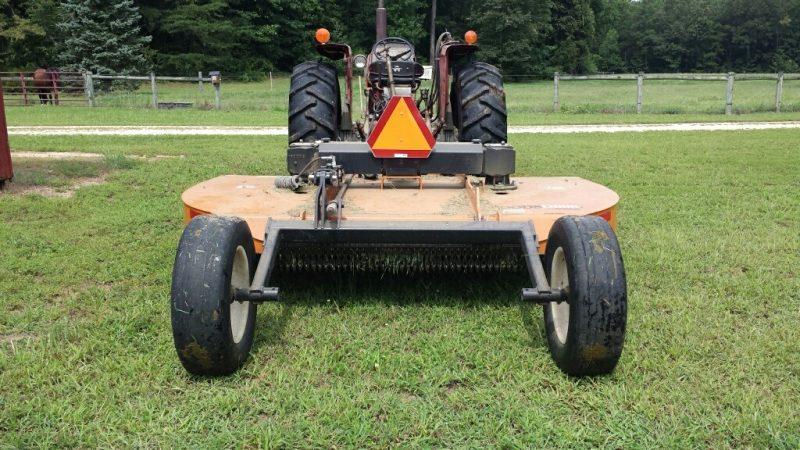Slow Moving Vehicle properly displayed on farm vehicle