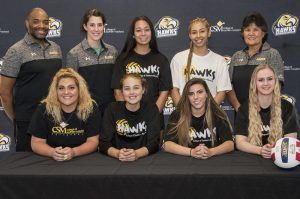 CSM Signs Six to Volleyball Team for 2017 Season