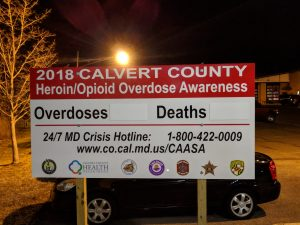 Heroin and Opioid Overdose Awareness Signs Installed in Calvert County