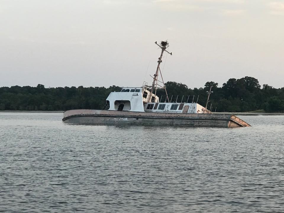 Pax River Maryland >> Two Men Face Criminal Charges For Abandoning Boat In Patuxent River