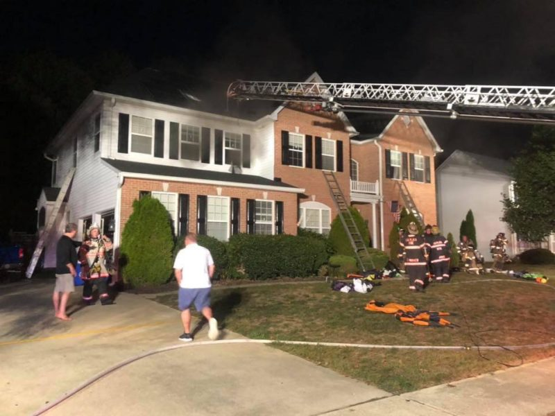 Firefighters Quickly Extinguish House Fire in La Plata