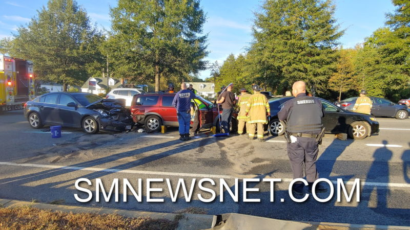 VIDEO: Four Injured After Multi-Vehicle Crash in California