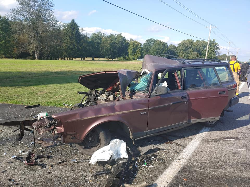 VWVortex.com - Fiery GTR crash in Chicago, female