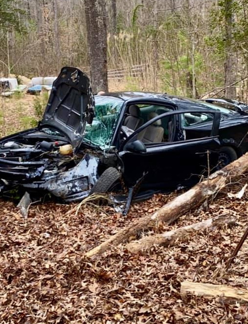 Two Injured After Single Vehicle Strikes Tree in Leonardtown