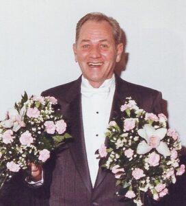Dale Darwood Van Meter, 84