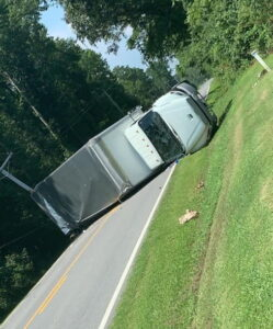 Two Injured After Box Truck Overturns in Leonardtown
